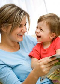 Örömteli nyelvtanulás otthon, anyával, apával